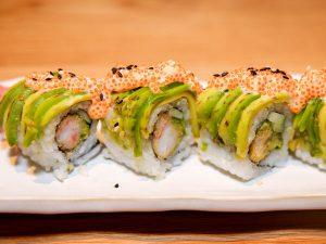 Cách làm món sushi cuộn bơ tươi ngon